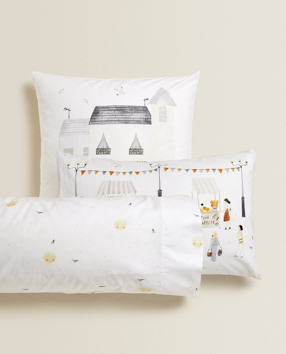 PILLOWCASE WITH MARKET ILLUSTRATION
