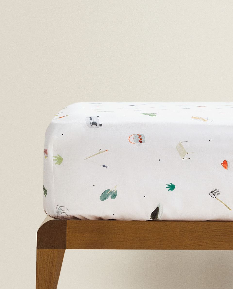 NATURE-INSPIRED PRINT FITTED SHEET