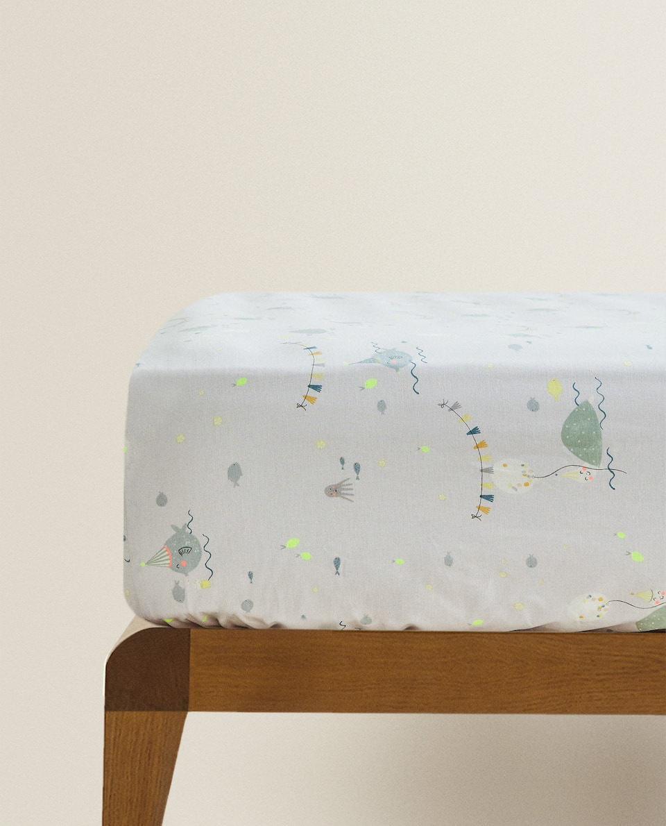 FISH PRINT FITTED SHEET
