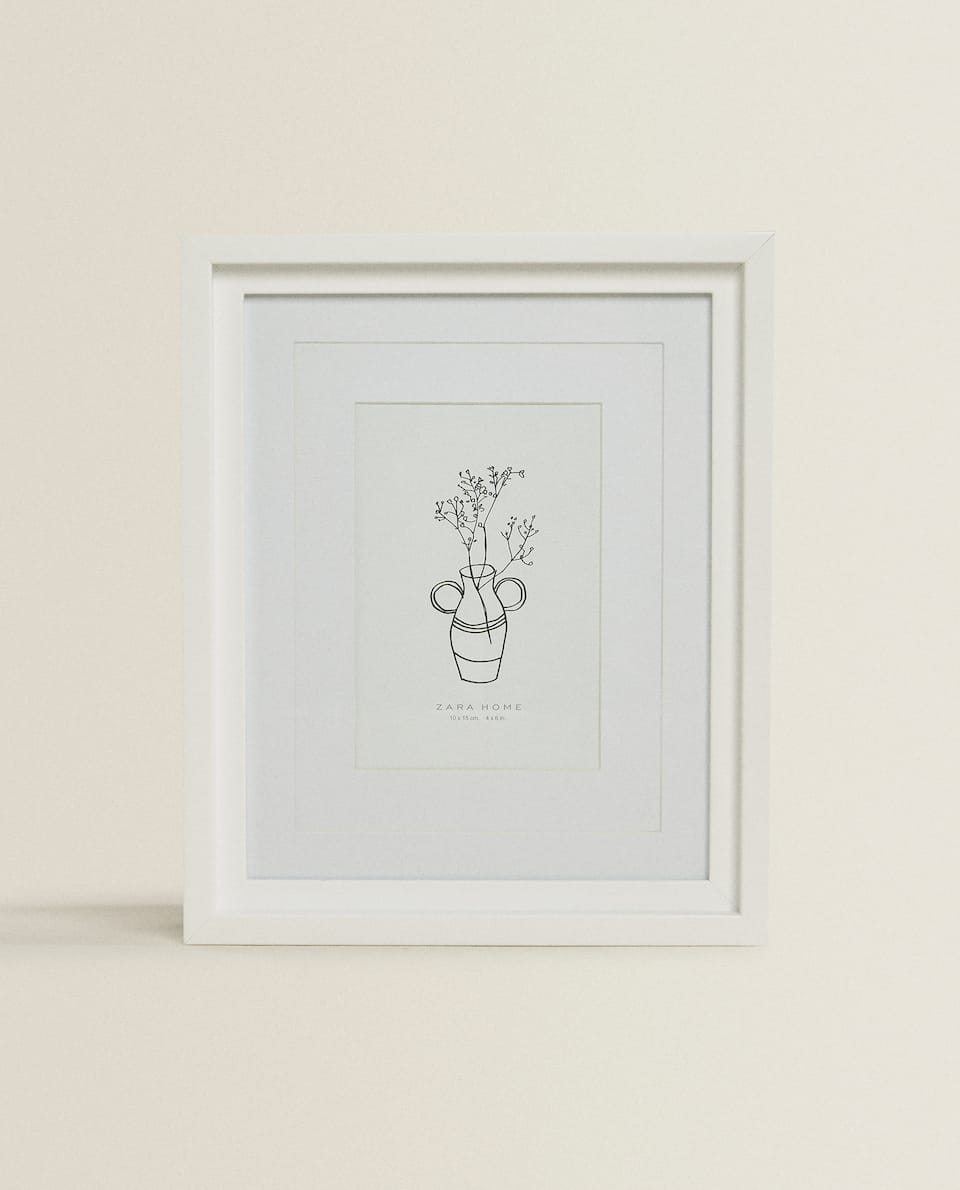 WHITE FRAME WITH DOUBLE PASSE-PARTOUT