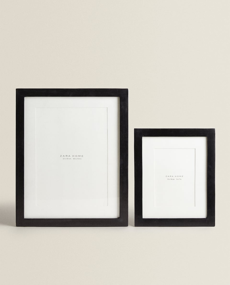 BLACK WOODEN FRAME WITH PASSE-PARTOUT