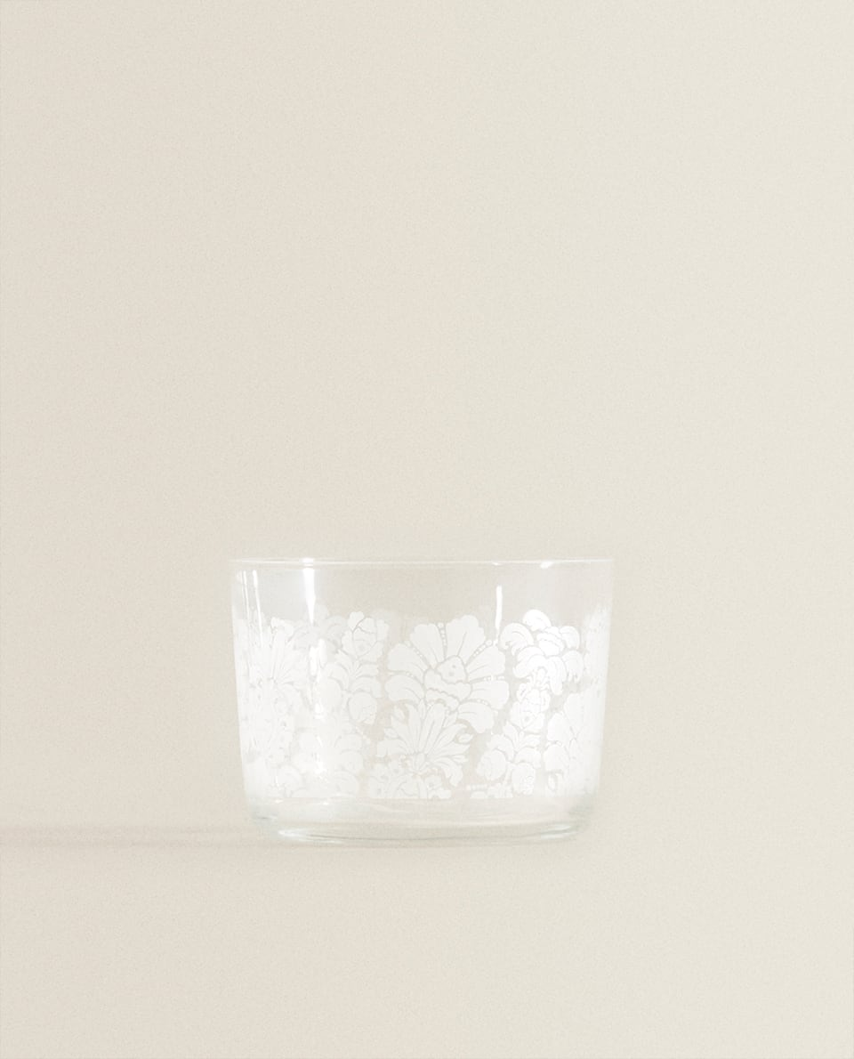 GLASS TUMBLER WITH WHITE FLORAL PRINT