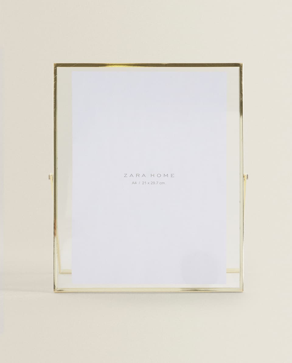 GOLD FRAME WITH STAND