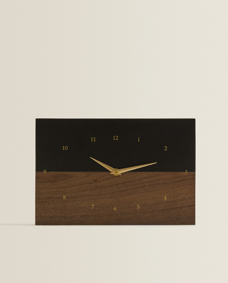 ساعة الحائط