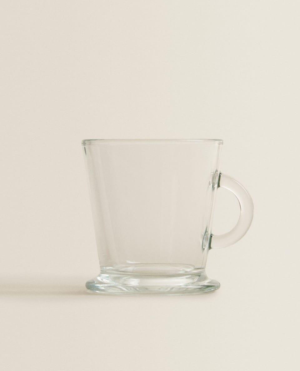 كوب كابوتشينو من الزجاج الشفاف