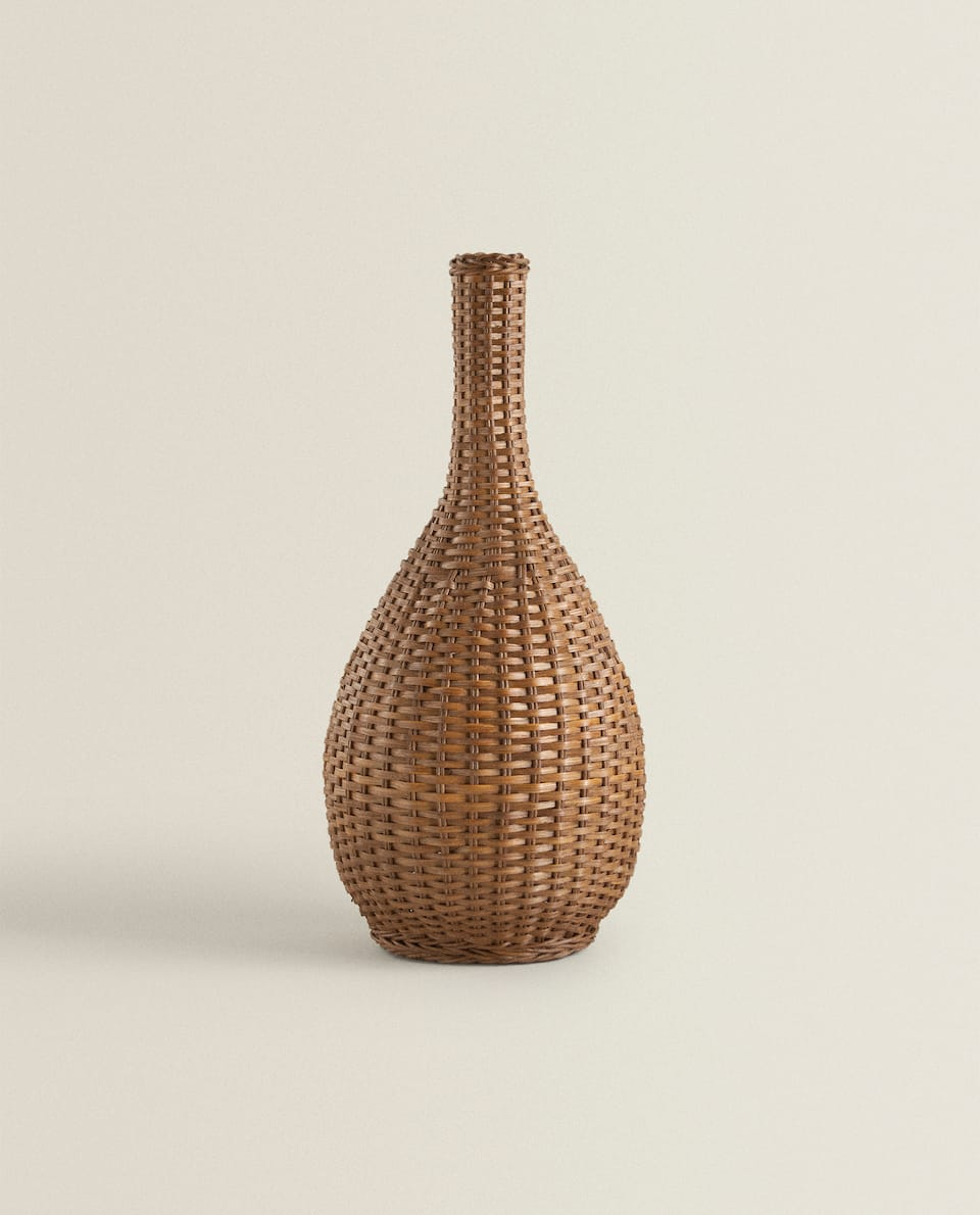 DECORATIVE WICKER BOTTLE