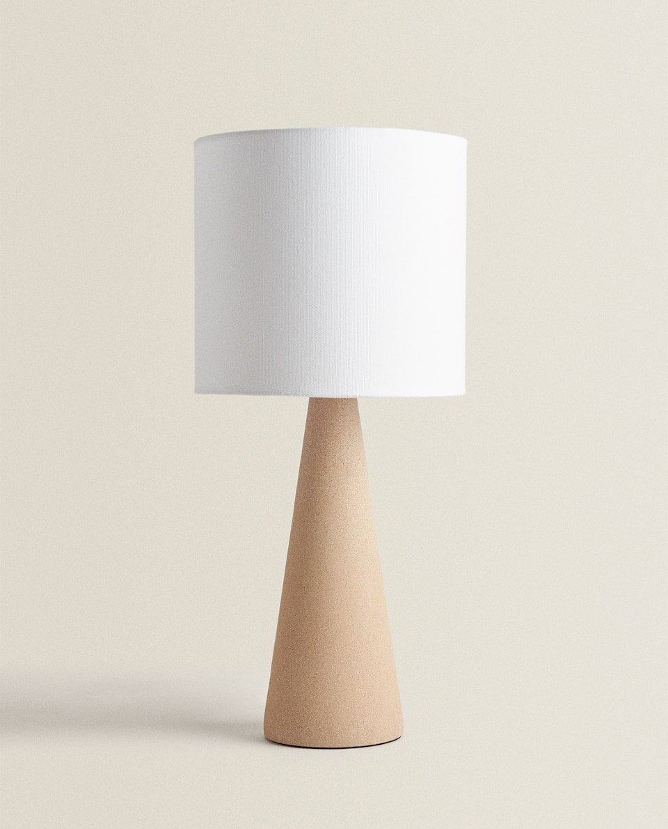 LAMP WITH CERAMIC BASE
