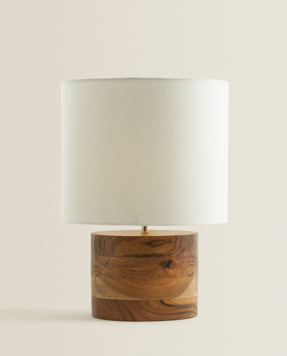 TABLE LAMP WITH WOODEN BASE