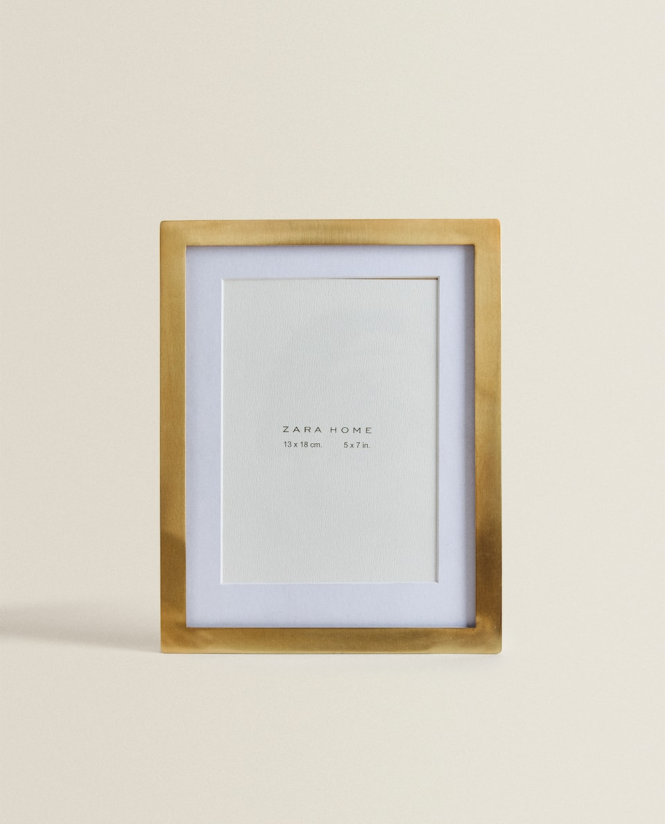 NATURAL WOOD FRAME WITH PASSE-PARTOUT