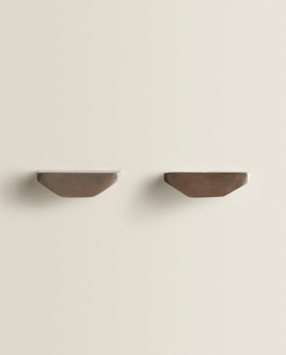 GEOMETRIC-SHAPED HANDLES (SET OF 2)