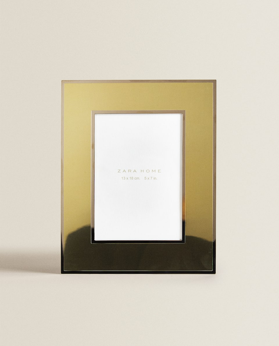 WIDE GOLD FRAME