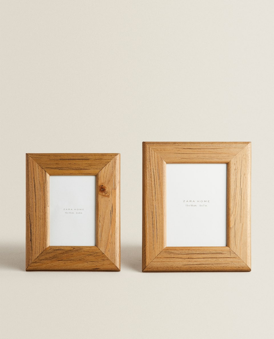 LIGHT WOODEN FRAME