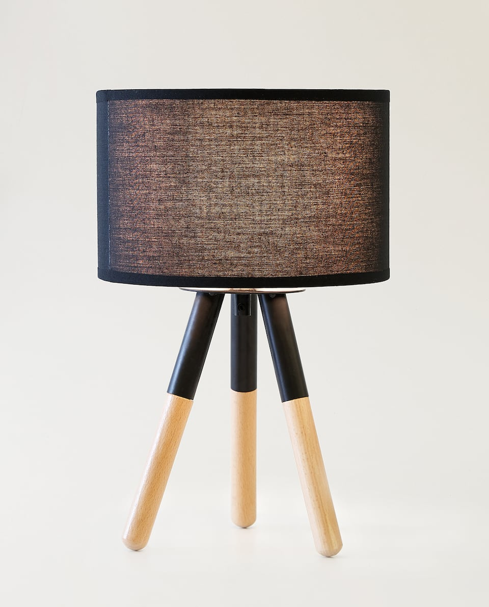 LAMP WITH WOODEN LEGS