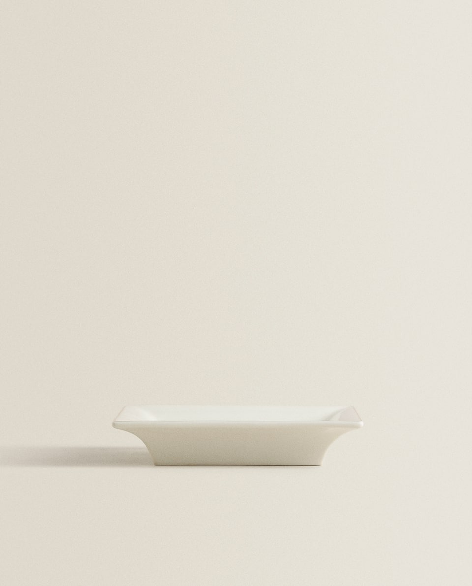 WHITE SQUARE ASHTRAY