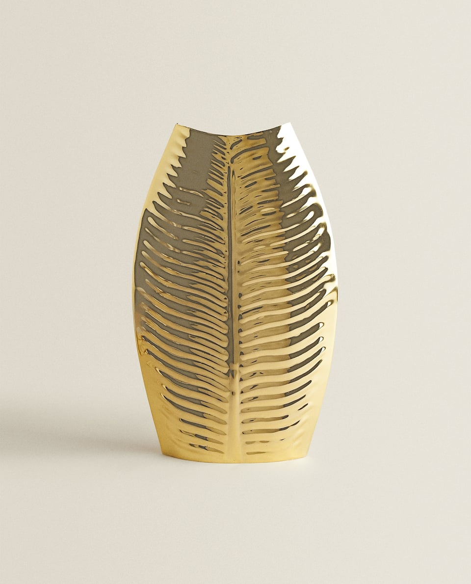 LEAF-SHAPED VASE