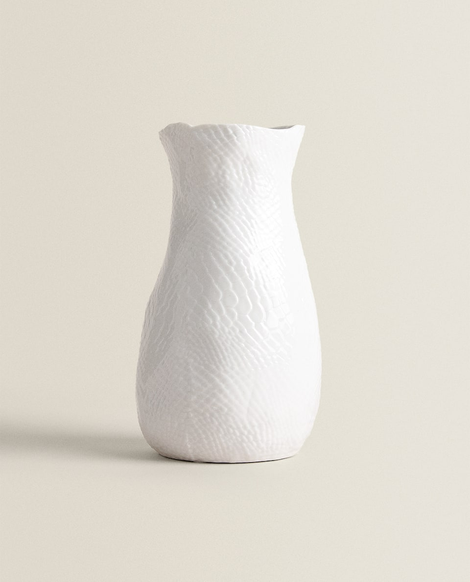 VASE WITH RAW SHAPE