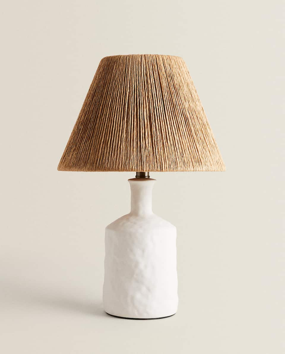 LAMP WITH CERAMIC BASE AND PAPER LAMPSHADE
