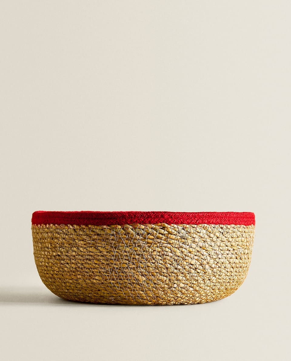 ROUND BASKET WITH DETAIL