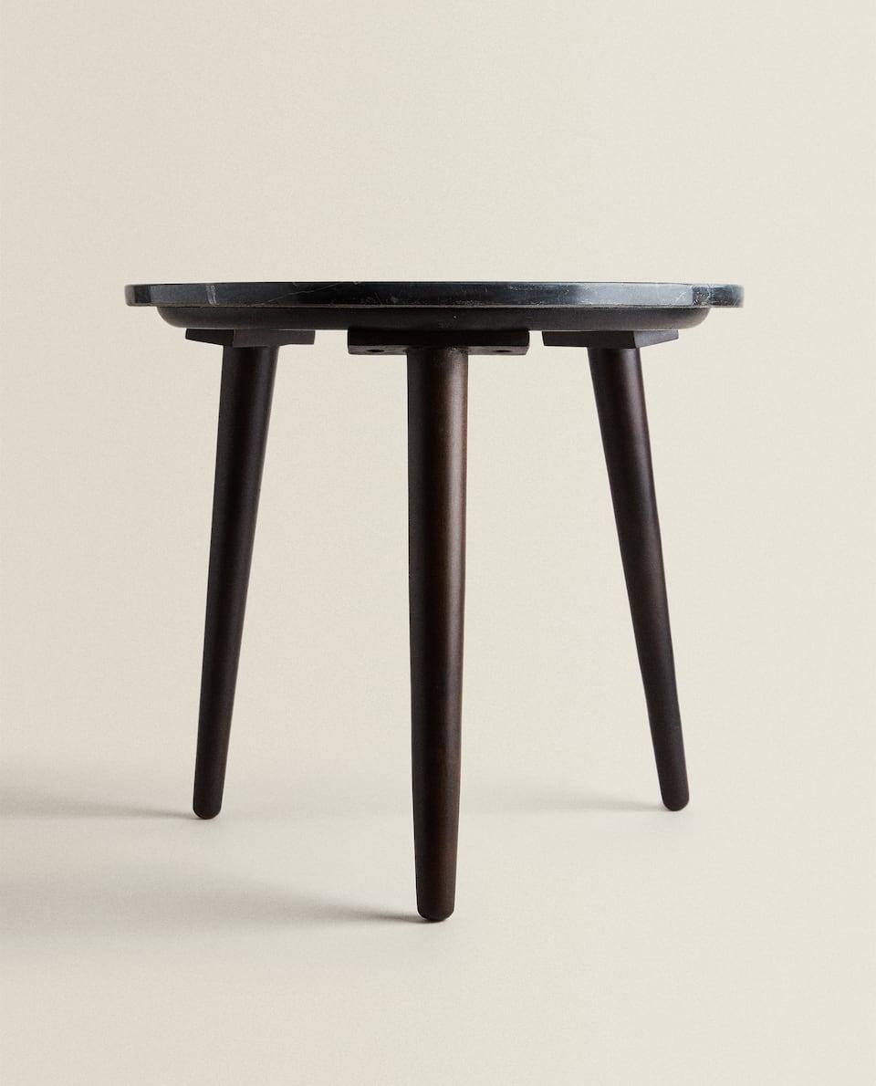 طاولة جانبية من الرخام