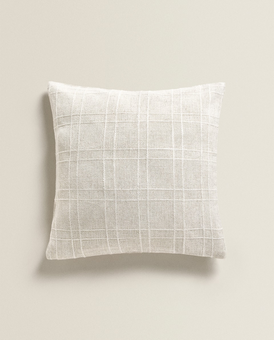 TEXTURED LINEN CUSHION COVER
