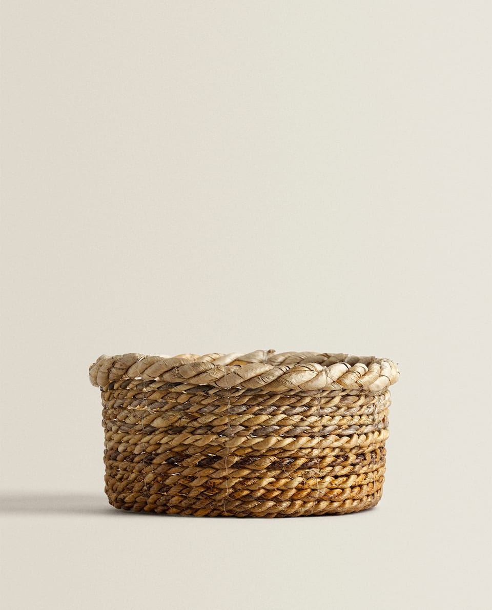 BASKET WITH WOVEN RIM