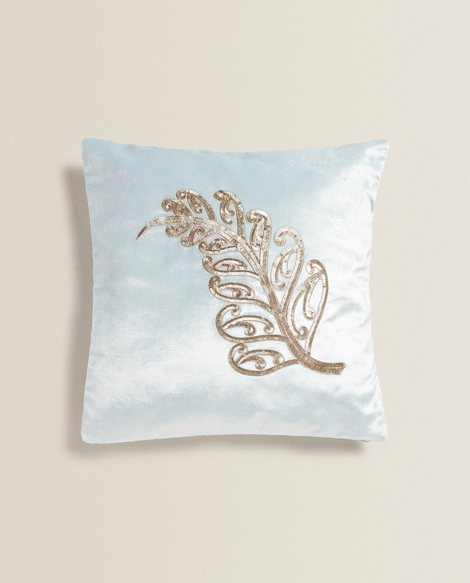 VELVET CUSHION COVER WITH LEAF MOTIF