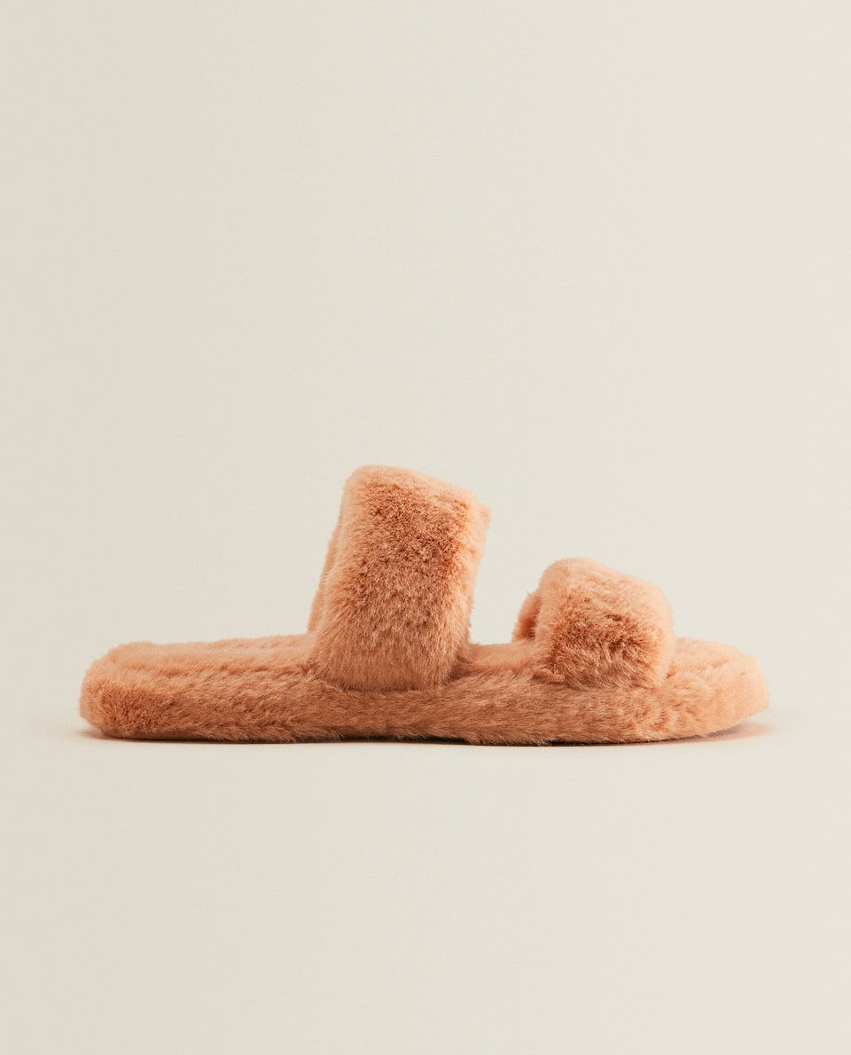 Faux fur slippers with straps
