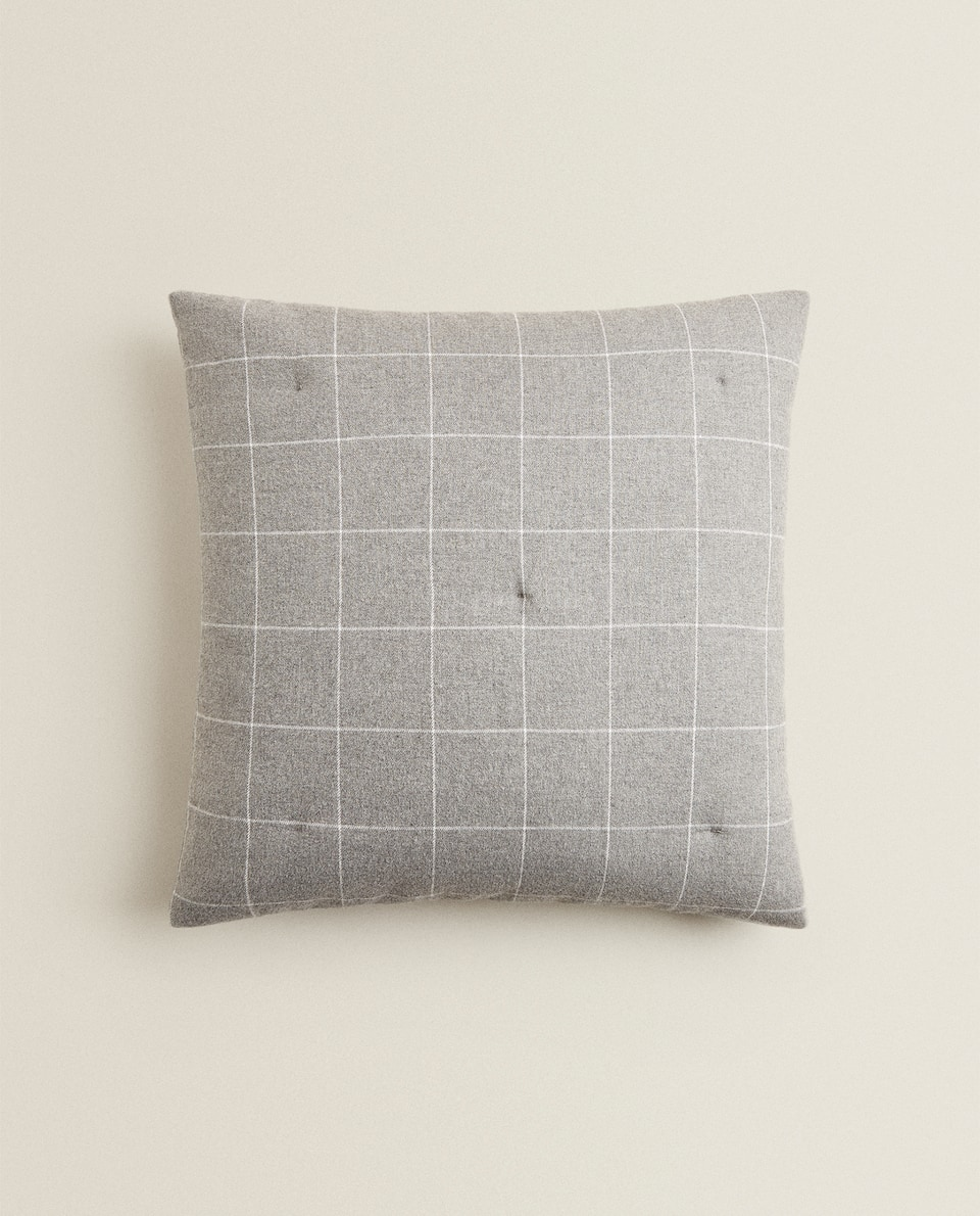 CHECKED FLANNEL CUSHION COVER