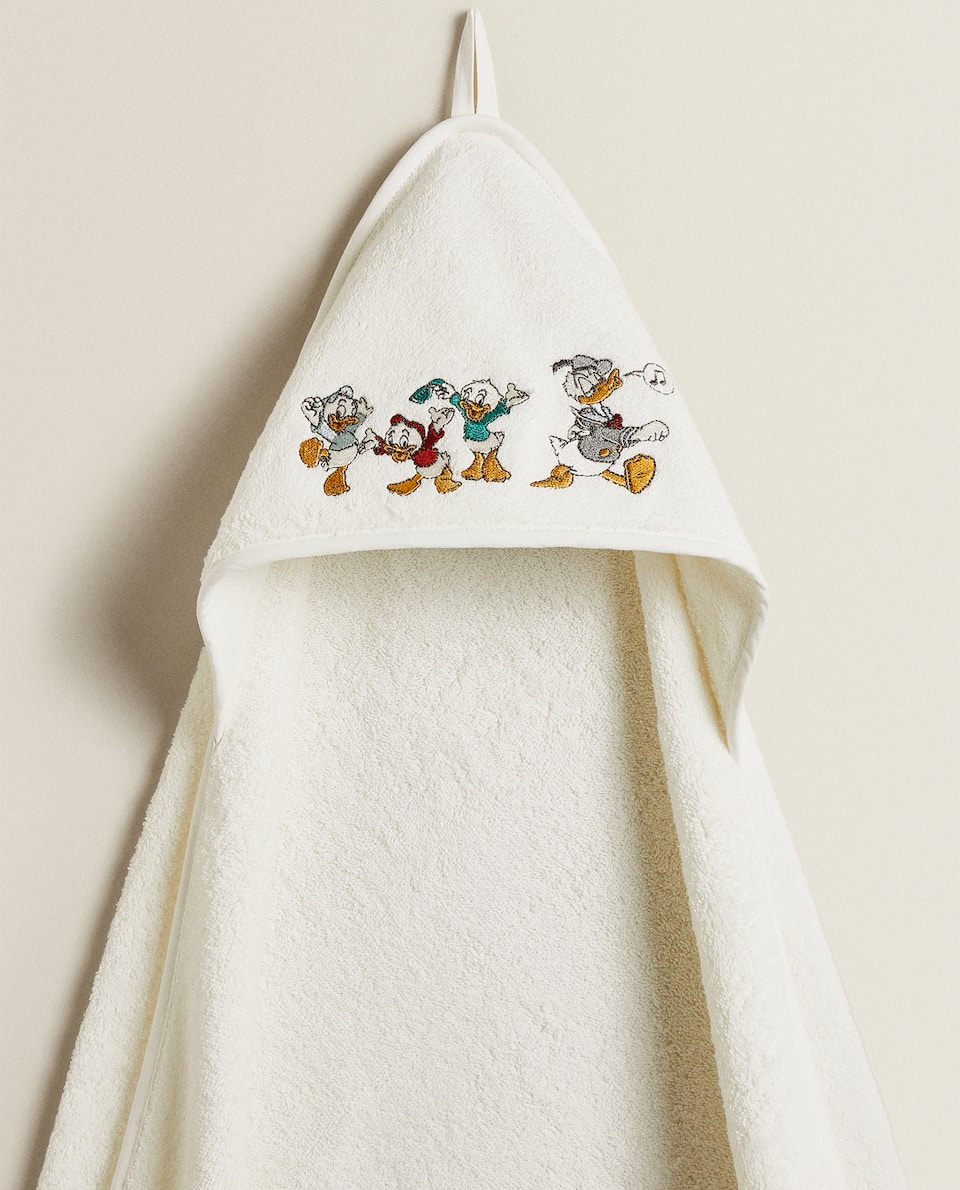 EMBROIDERED DONALD DUCK BABY TOWEL