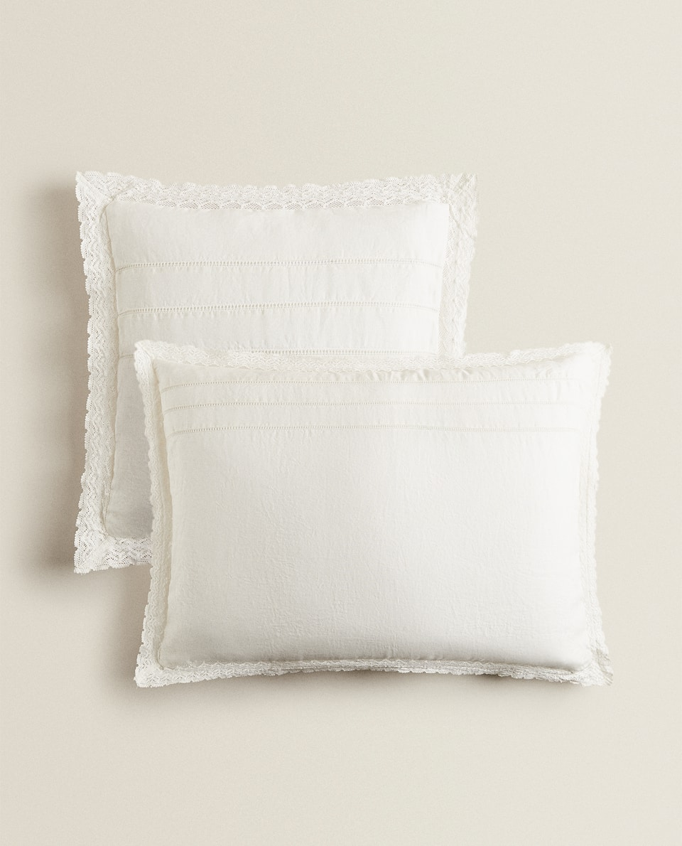 CUSHION COVER WITH LACE TRIM