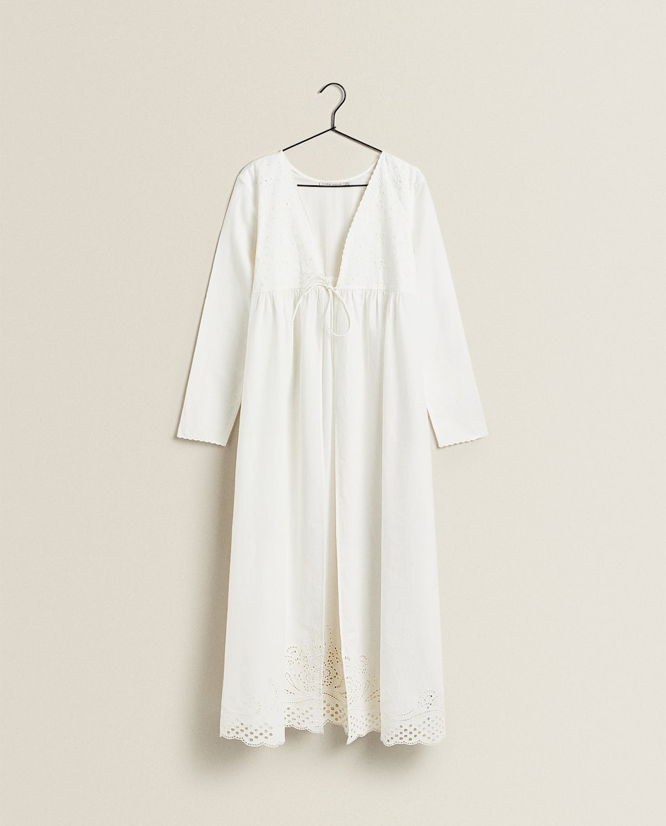 CUT-OUT COTTON DRESSING GOWN