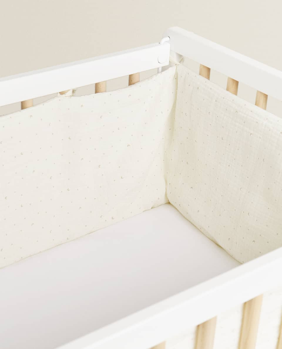 MUSLIN COT BUMPER COVER WITH MOONS AND STARS