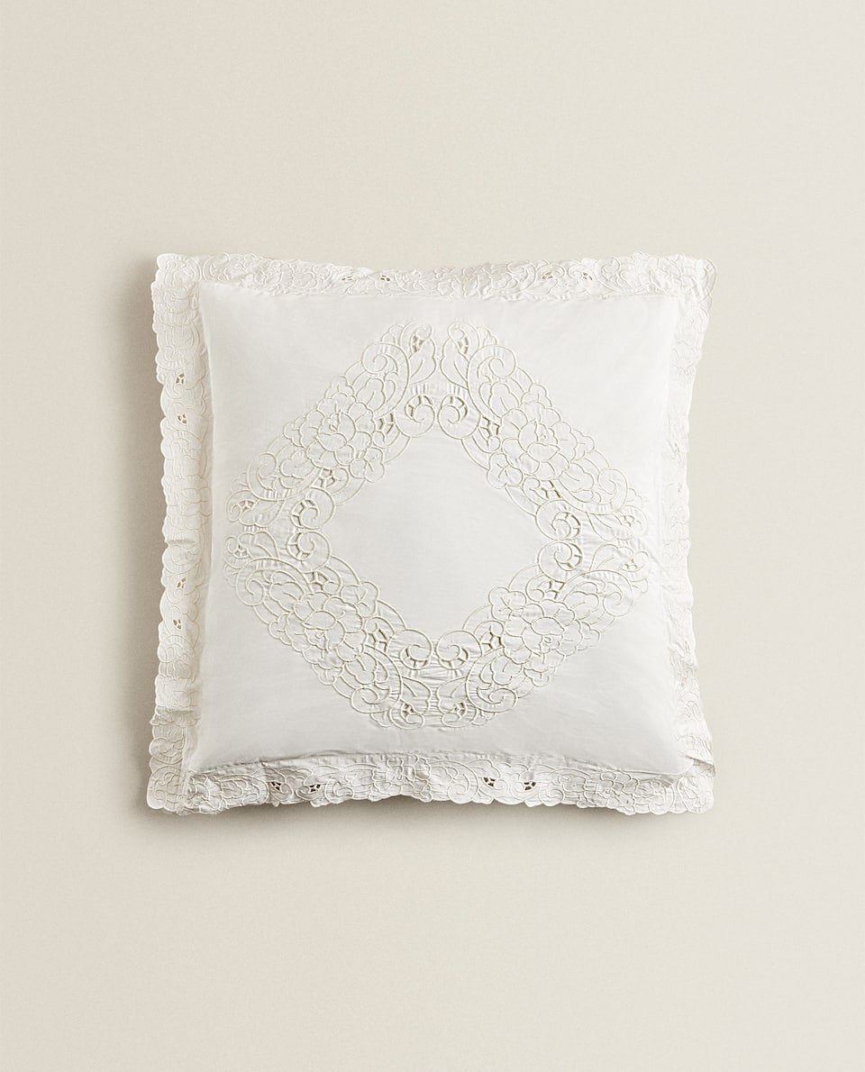 CUT OUT EMBROIDERED PILLOWCASE