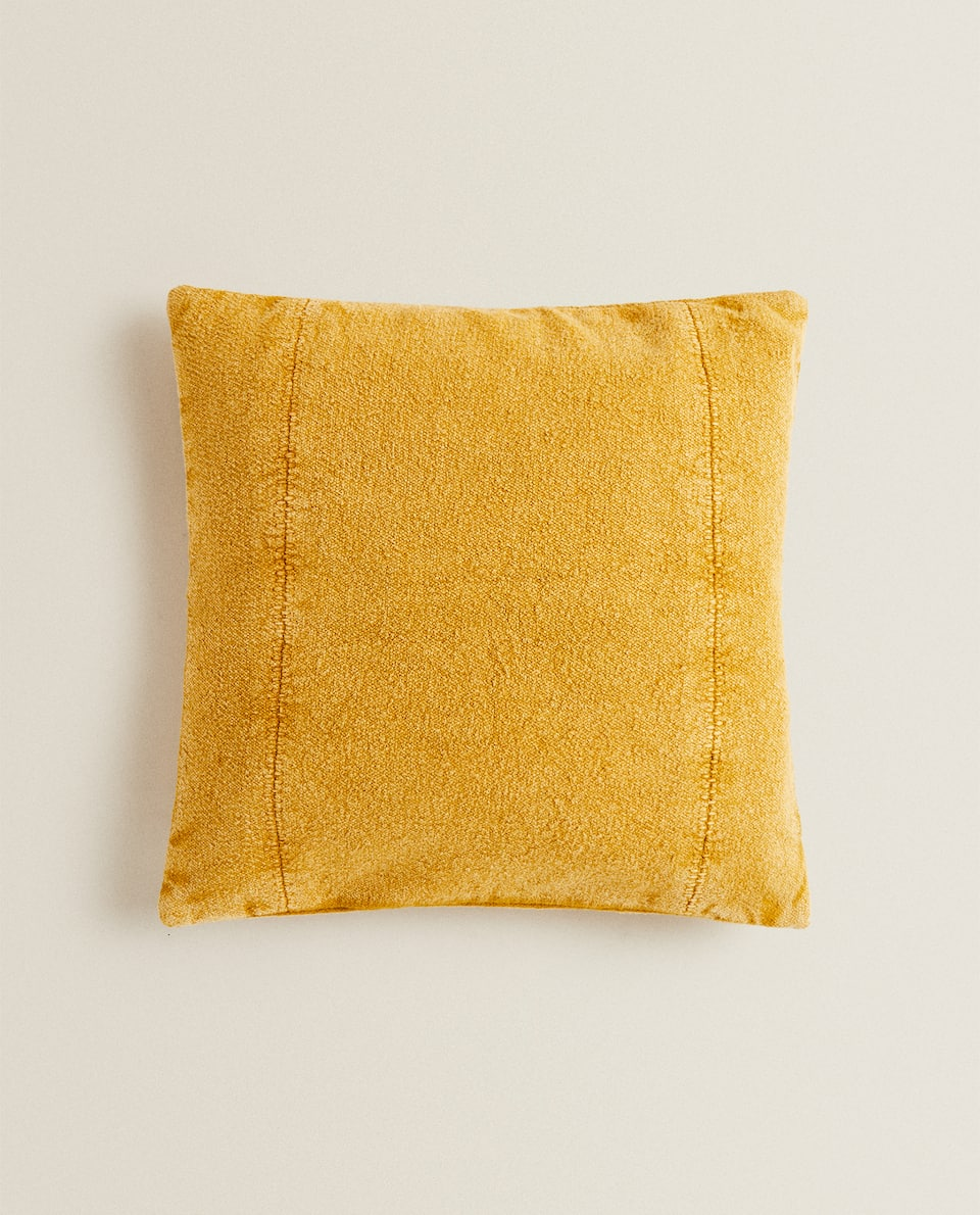 CUSHION COVER WITH SEAM DETAIL