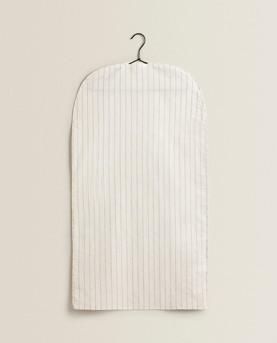 STRIPED PROTECTIVE COVER (PACK OF 2)