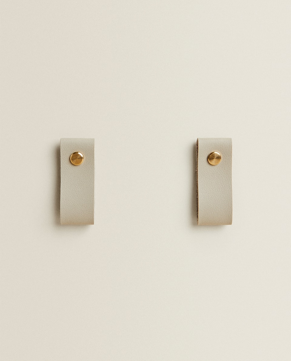 FAUX LEATHER DOOR KNOB (PACK OF 2)