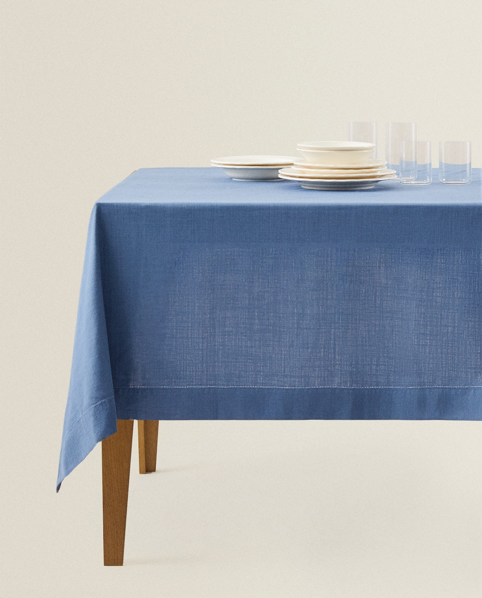HEMSTITCHED TABLECLOTH