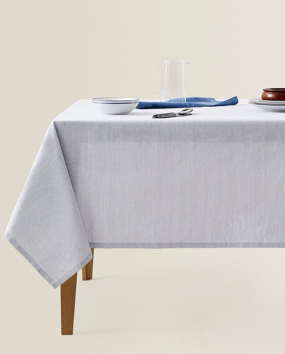STRIPED RESIN TABLECLOTH