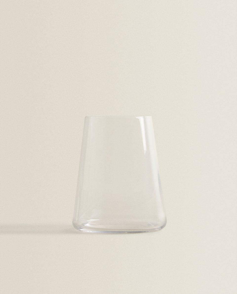 KEGLEFORMET GLAS I KRYSTALLINSK GLAS