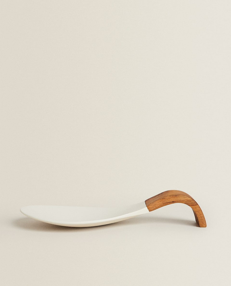 WOOD AND SILICONE SPOON REST