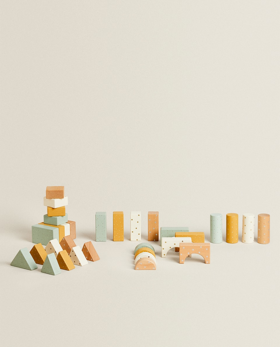 PACK OF WOODEN TOY BLOCKS