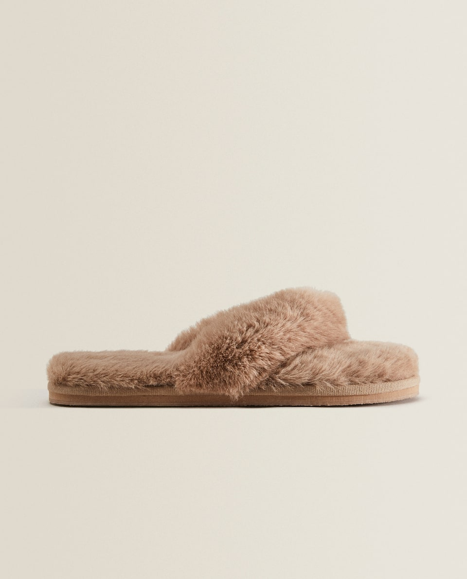 FAUX FUR STRAPPY SLIPPERS