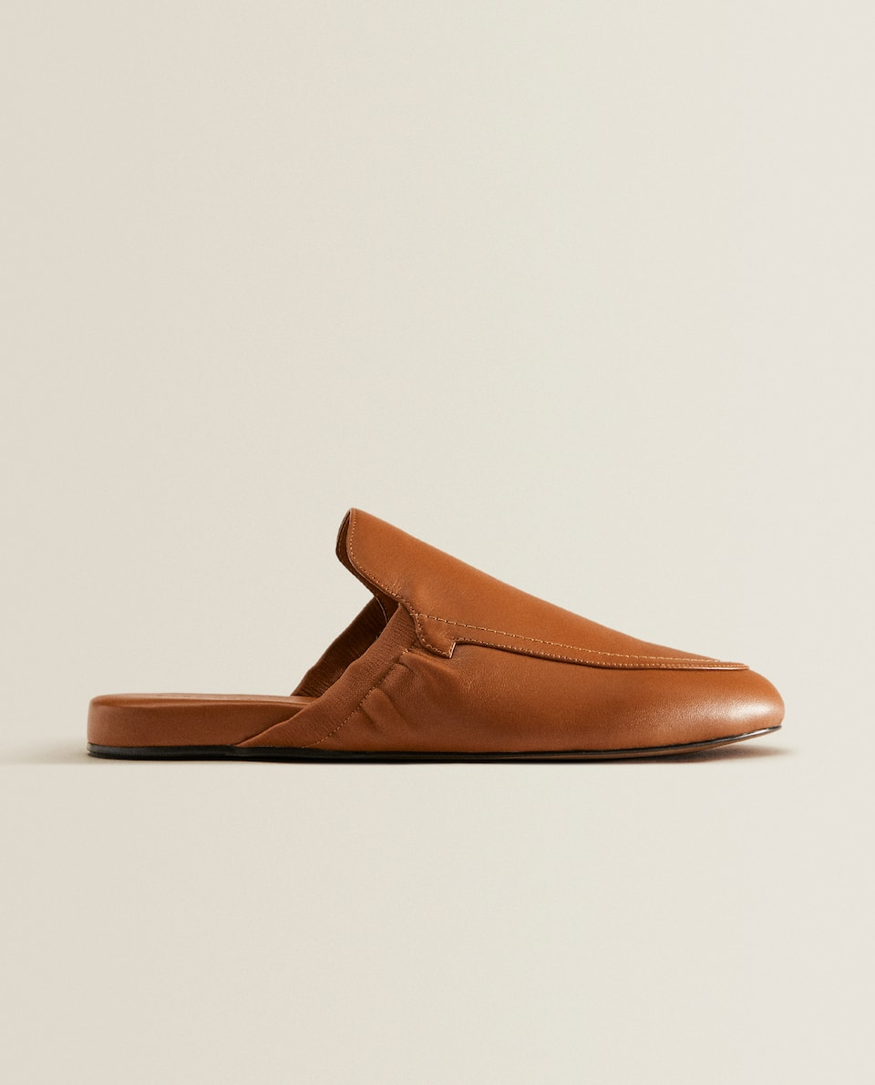 Stretch leather slippers