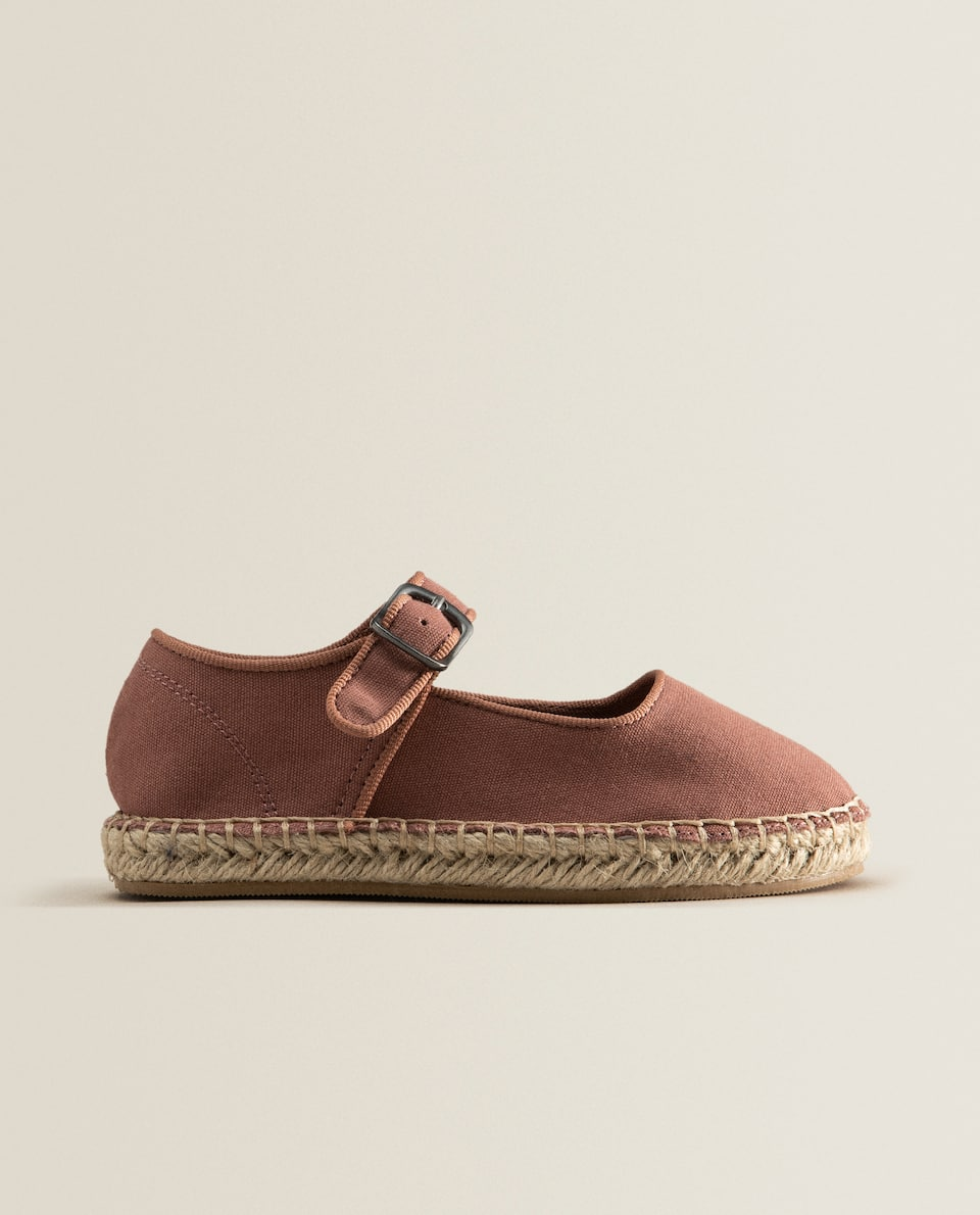 Jute and fabric shoes