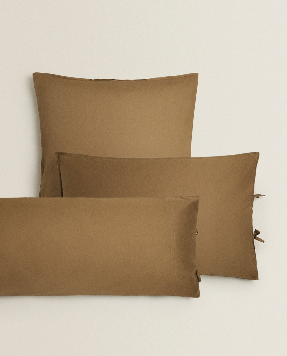 PILLOWCASE WITH BOW DETAIL
