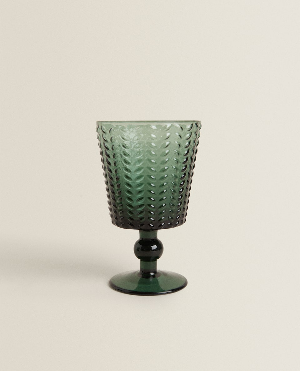 RAISED HERRINGBONE WINE GLASS