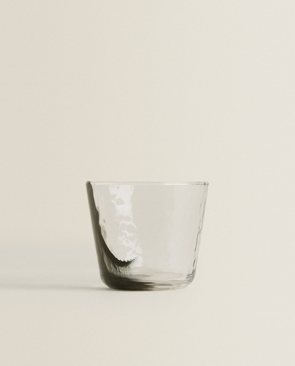 RUSTICALLY SHAPED GLASS TUMBLER