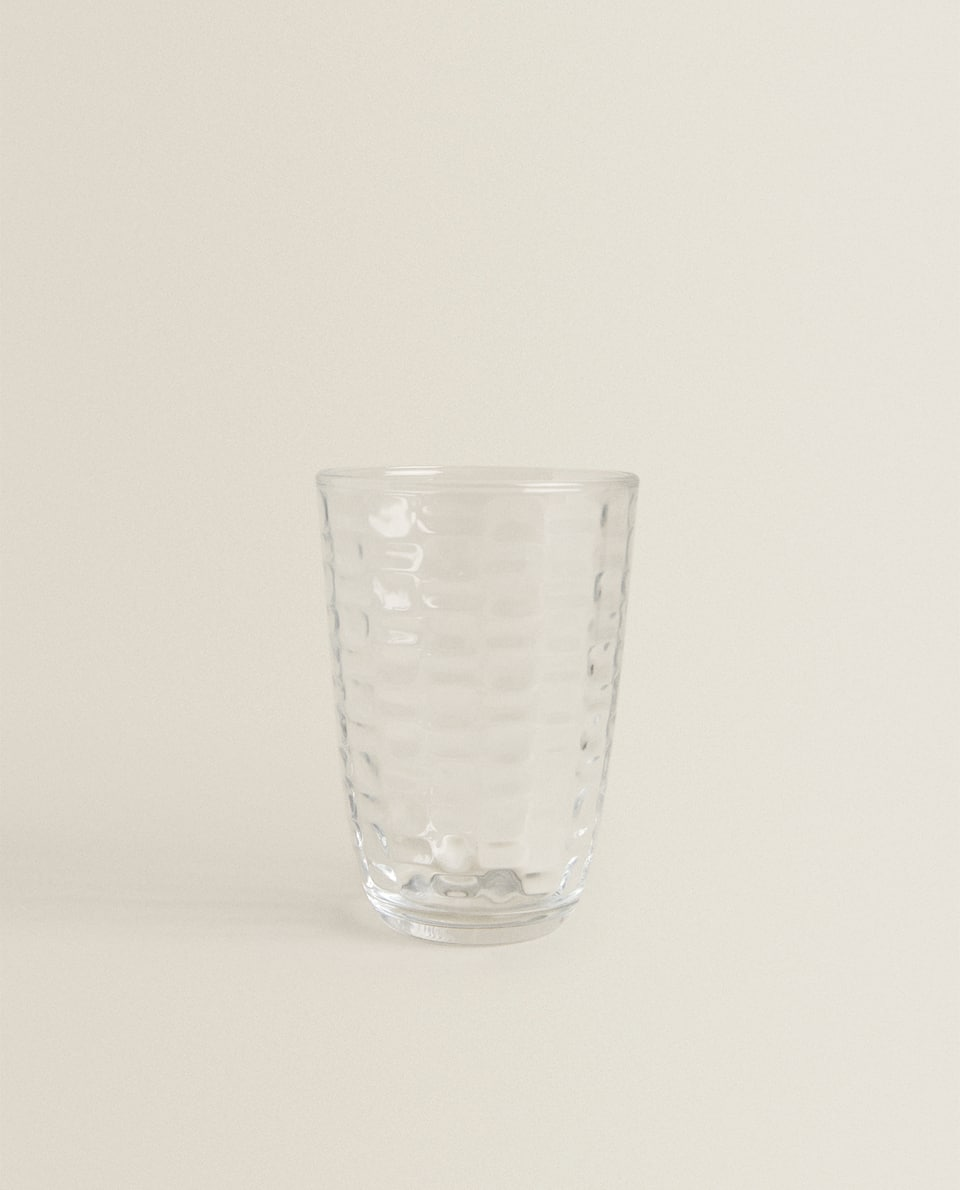 RAISED SQUARE-EFFECT TUMBLER