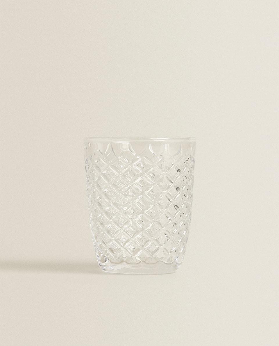RAISED DESIGN GLASS TUMBLER