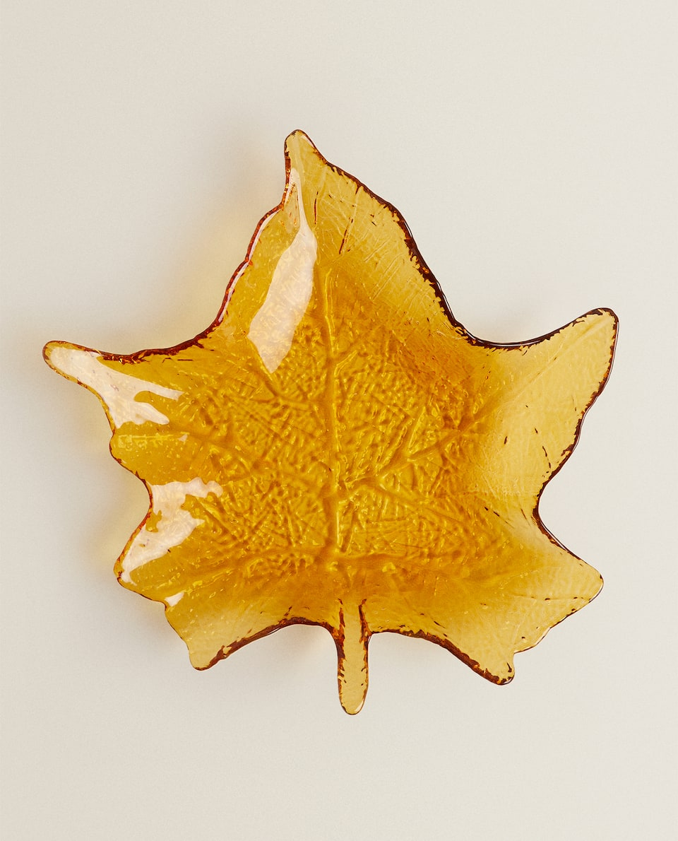 LEAF-SHAPED GLASS SERVING DISH